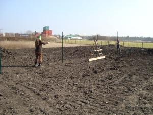 Zaunbau auf dem neuen gGelände im April 2015