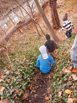"""Auf dem Hosenboden ins Waldabenteuer! Ildi: """"Nur dreckige Kinder sind gute Kinder!"""""""