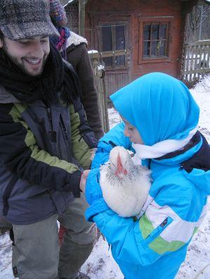 Neben Lämmchen streicheln und Ziege Clara striegeln, waren die Hühner ein Highlight!