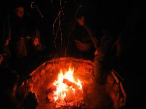 Am abend wurde die Lagerfeuer Stelle in gemütlicher Runde eingeweiht.