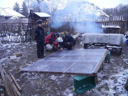 Dachbau für Majas Gehege.