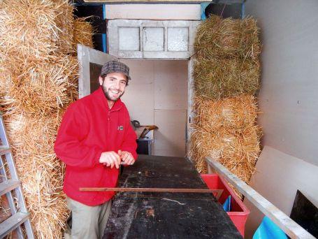 Letzte Arbeiten im Hühnerstall