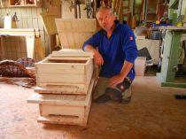Rainer von Bambus Augsburg baute uns Bienenwohnungen