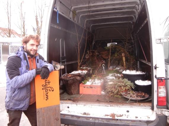 Vier Sprinterfuhren waren es allein für den Umzug der Pflanzen.
